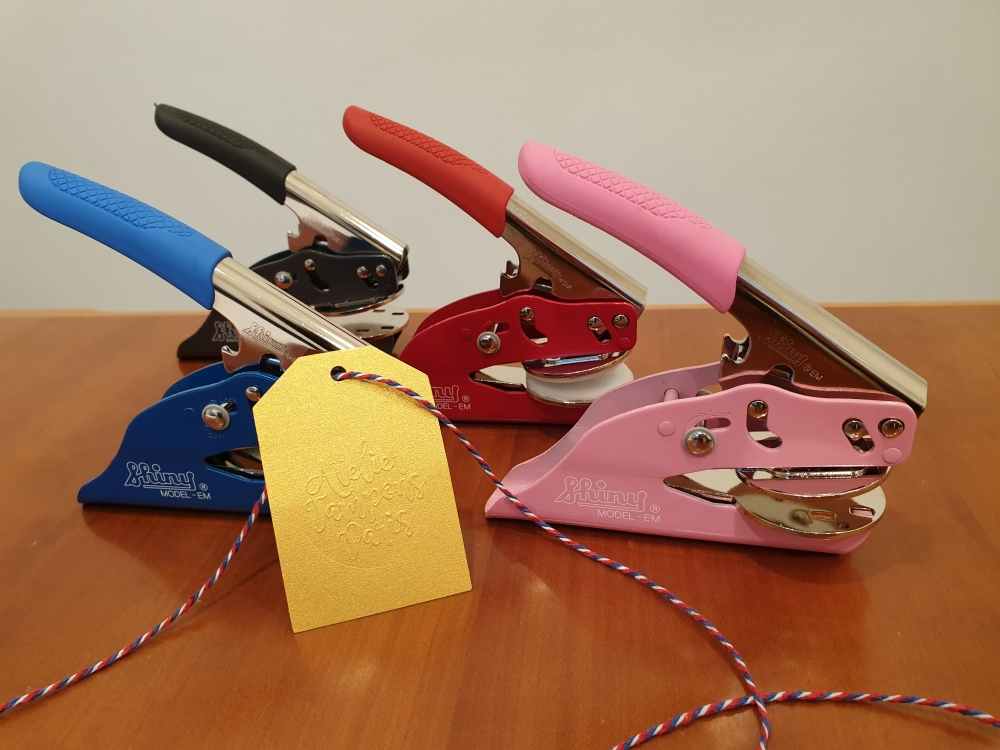 Pinces à gaufrer couleurs bleu roi, rouge starlette et rose pastel en exclusivité Atelier Tampons Paris